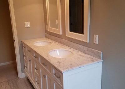 double-vanity-sinks-white