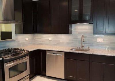 glass-bachsplash-tiles-kitchen