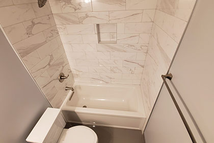 modern porcelain tiling tub small