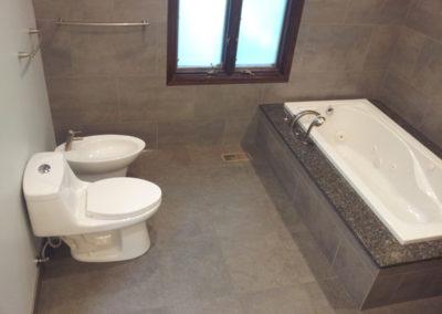 tub-bidet-toilet-tiles