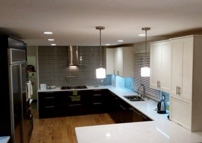 white-dark-modern-kitchen