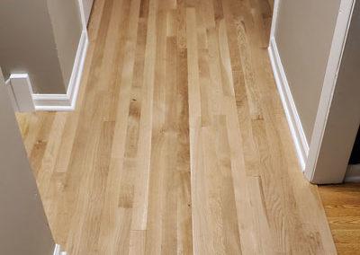 hallway-oak-hardwood-floor-installed