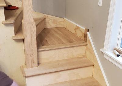 installation-oak-hardwood-staircase