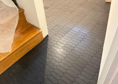 porcelain-black-laundry-tiles
