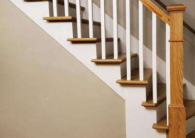 white-stairs-spindles-installed